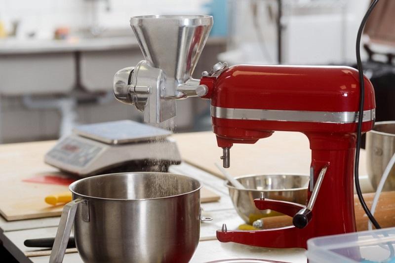robot kuchenny z akcesoriami do soków