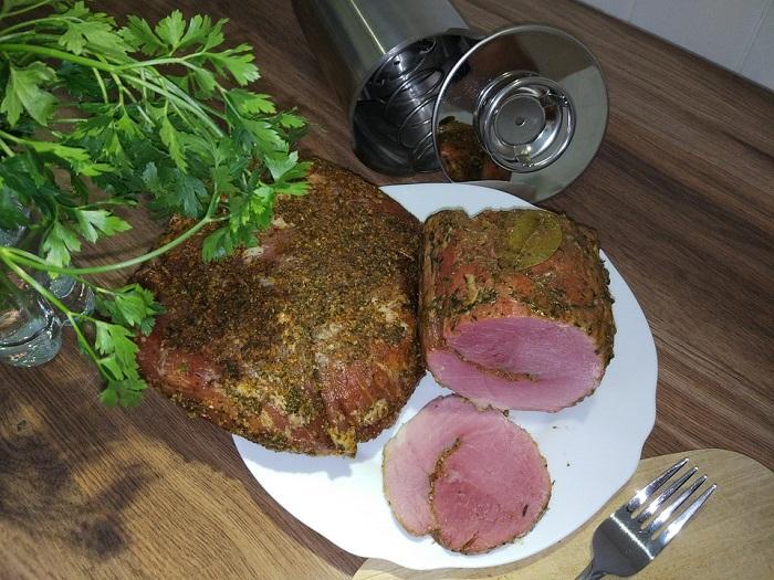 mięso przygotowane w szynkowarze