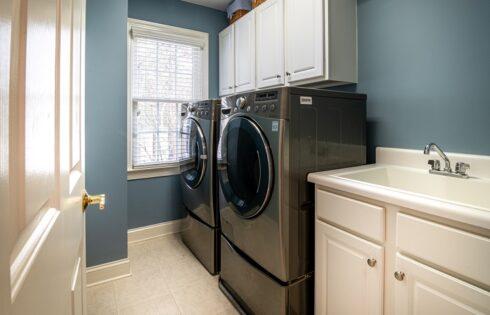 Jak wybrać pralkę do domu z uwzględnieniem warunków i potrzeb?