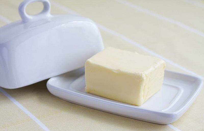 Jaka maselniczka do przechowywania i wyrabiania masła? Poradnik zakupowy, rodzaje i ranking maselniczek.
